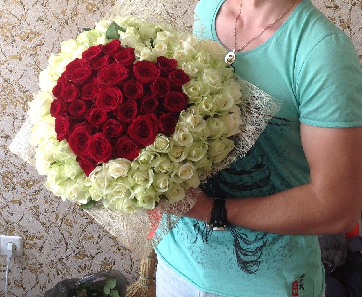 Цветок лотос, купить букет 101 роза мариуполь